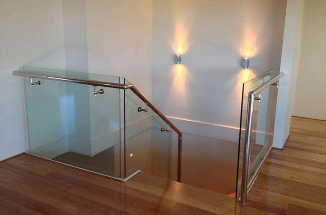 Home Frameless Glass Staircases
